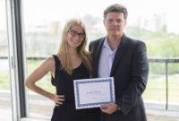 """Junto al Dr Claudio Esteve recibiendo mi diploma final del curso """"Alimentación Biocuántica"""""""